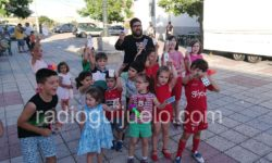 Niños en la fiesta de San Antonio en La Tala.