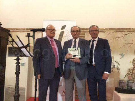 Santos Carrasco recibe el premio a la trayectoria empresarial en el Congreso Mundial del Jamón