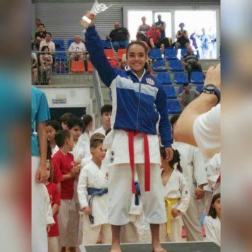 Daniella Sánchez en el podium. Foto: CD La Luna.