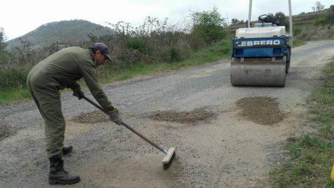 Un trabajador en San Esteban. Foto Ayto. San Esteban