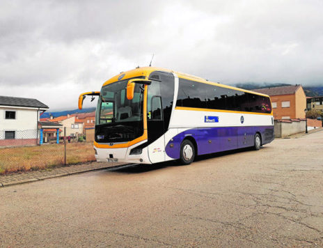 Autobús de la línea Linares- Madrid. Foto: Tel