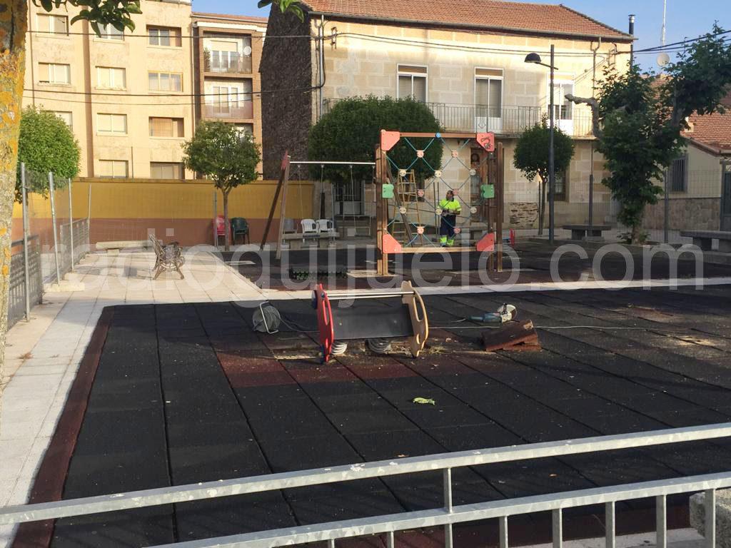 Parque de la plaza Constitución en proceso de remodelación.