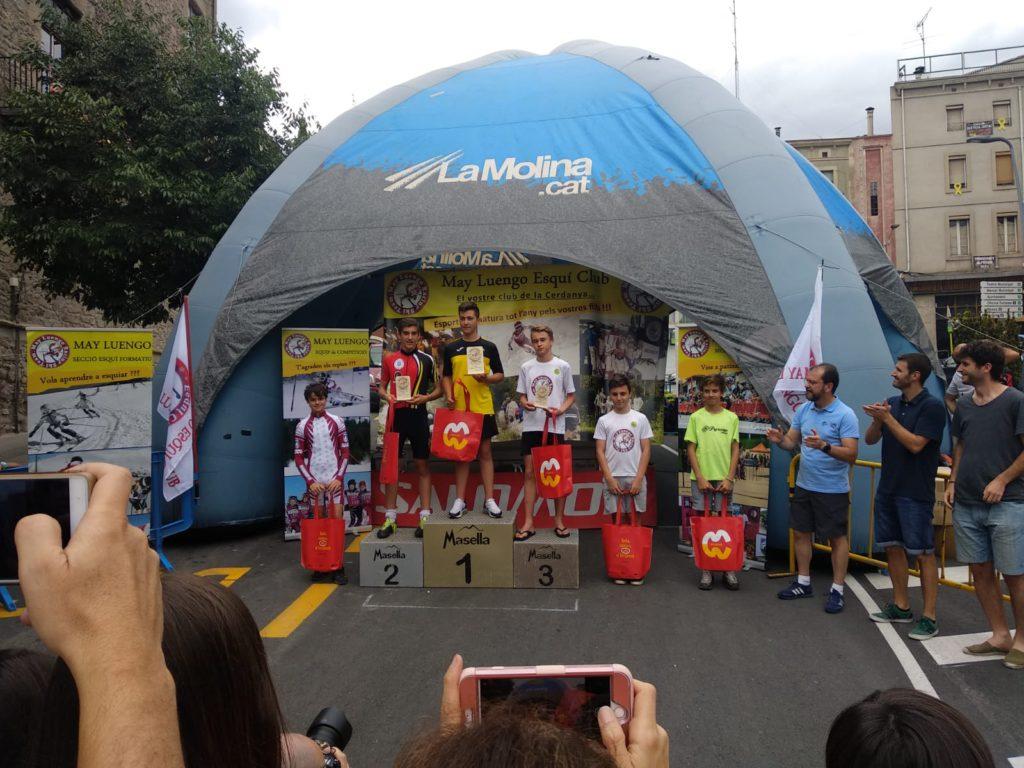 Hector Merino en el segundo cajón del podium. Foto: A.M.