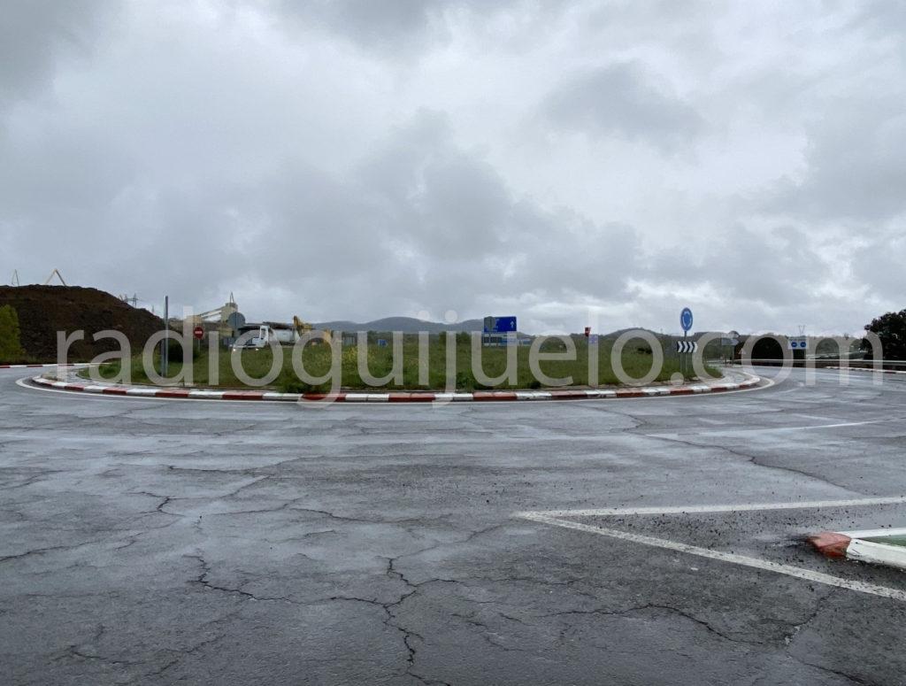 Rotonda de la entrada sur de Guijuelo.